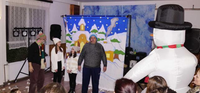 Fotky z rozsvícení vánočního stromu a Mikulášské besídky