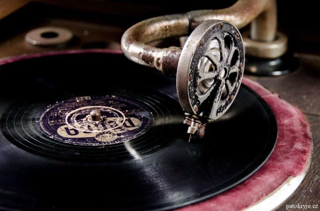stary-gramofon_1